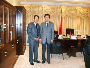 公司合伙人于水先生与中国驻阿联酋大使合影